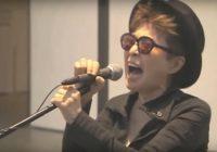 Yoko Ono canta con Cannibal Corpse