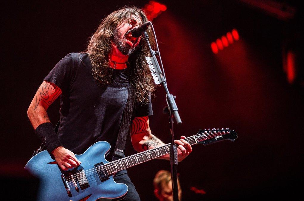"""Foo Fighters realiza Cover de """"Molly's Lips"""" con Krist Novoselic"""