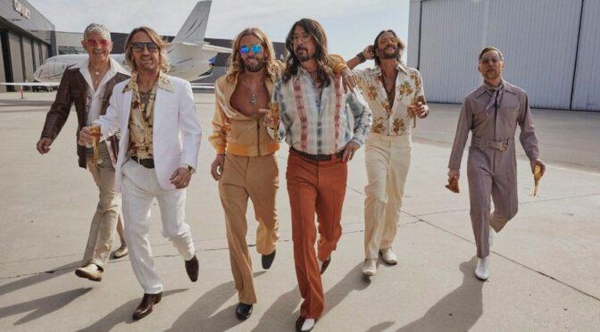 Foo Fighters rinde homenaje a los Bee Gees con el álbum«Hail Satin»